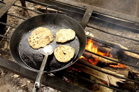 simple flatbread recipe campfire cooking  hedge combers