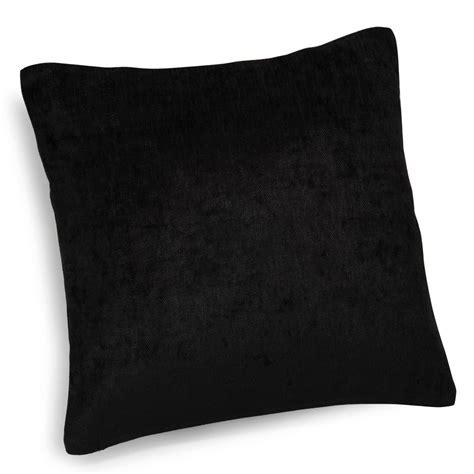 coussin pour canapé noir coussin en velours noir 45 x 45 cm vintage velvet belouga