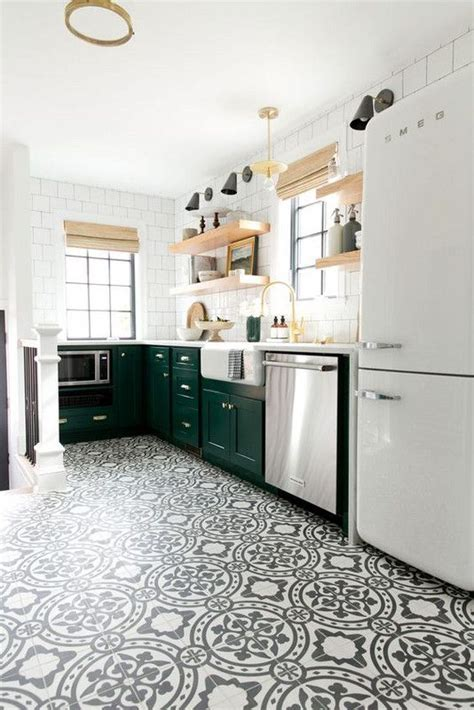 easy tiles for kitchen 25 best ideas about kitchen floors on kitchen 7013