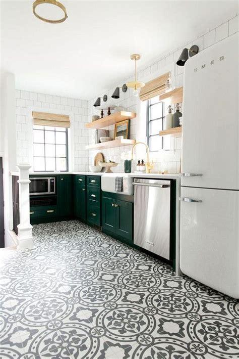 easy tiles for kitchen 25 best ideas about kitchen floors on kitchen 7013