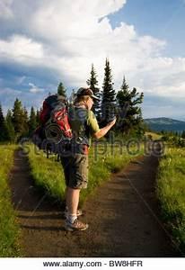Wander Gps Gerät : wanderer mit gps ger t stockfoto bild 27857283 alamy ~ Jslefanu.com Haus und Dekorationen