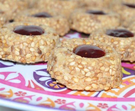 les recettes de la cuisine de asmaa sablés aux graines de sésame les recettes de la cuisine