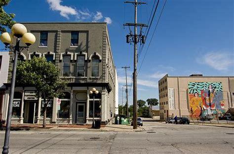 3521 state saginaw mi office song lyrics spray painted on saginaw 39 s vacant buildings