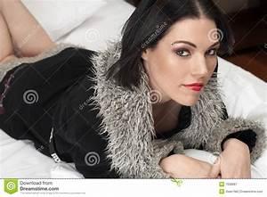 Donna Adulta Nuda Immagine Stock  Immagine Di Coperto