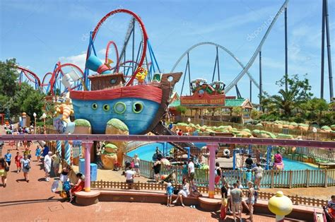 hilds attractions dans le port aventura photo 233 ditoriale 169 canarino 12679007