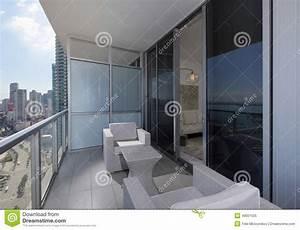 Meuble De Balcon : meubles modernes de balcon image stock image du ~ Premium-room.com Idées de Décoration
