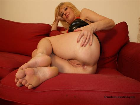 K Dsc01864  In Gallery Mature Feet Women Picture 4 Uploaded By Fetushaustria On