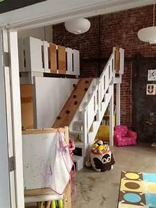 Hochbett Für Zwei Kinder : kinderzimmer f r zwei kinder mit eigenem spielbereich freshdads v ter helden idole ~ Sanjose-hotels-ca.com Haus und Dekorationen