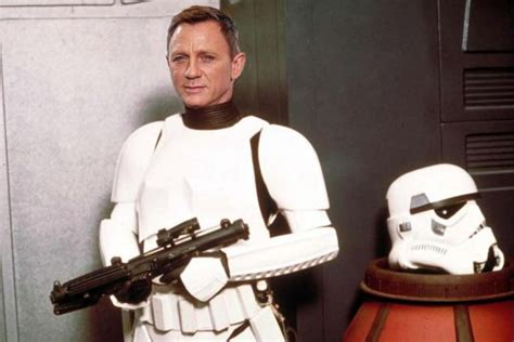 Daniel Craig Denies Playing A Stormtrooper in 'The Force ...