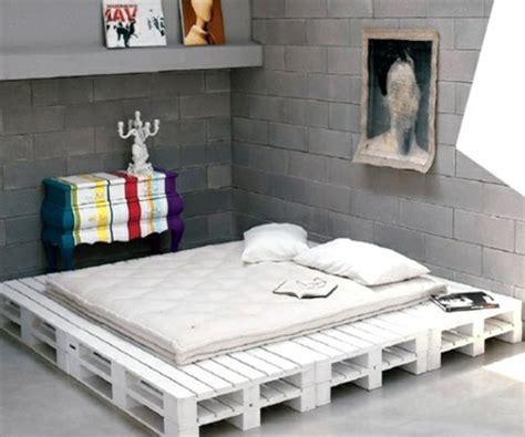 Bett Aus Einwegpaletten by Bett Aus Paletten 32 Coole Designs Archzine Net