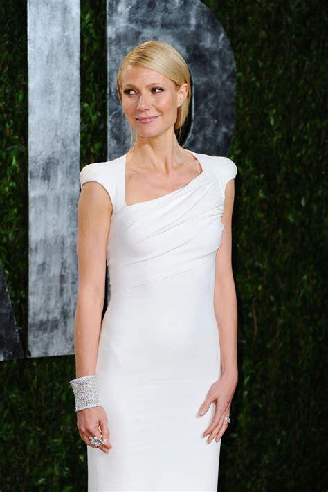 vanity fair gwyneth paltrow fashion of this week gwyneth paltrow at 2012 vanity
