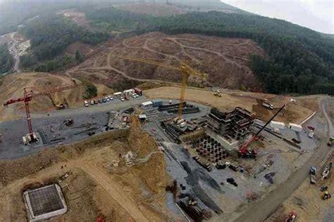 Eldorado Gold halts much of its mine construction in