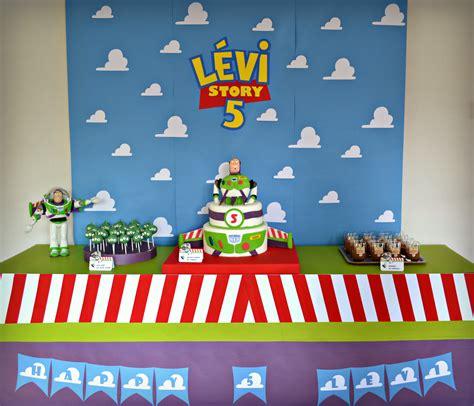deco anniversaire story anniversaire story buzz l 233 clair