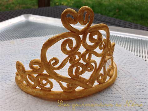 couronne de princesse en p 226 te 224 sucre les gourmandises de n 233 mo