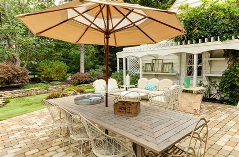 chic outdoor furniture 16 snug shabby chic patio designs that will transform your Shabby