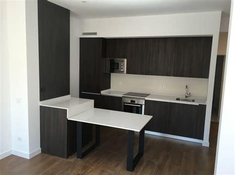 cocina integrada en salon  cuarto de bano ideas muebles