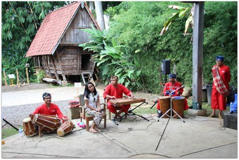 learning traditional games  indonesia food fun