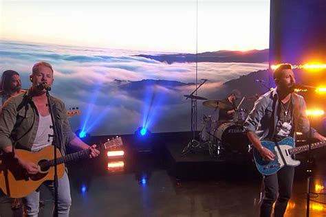 Old Dominion Keep Things Light For 'make It Sweet' On