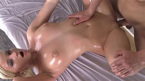See A Hot Oiled Up Body Getting A Sex Massage And Pussy