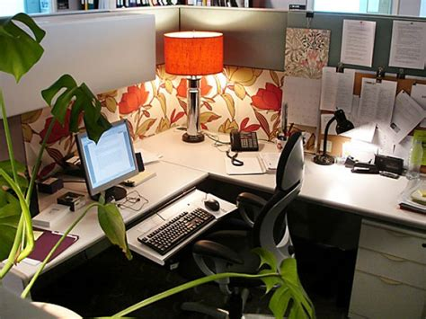 Cubicle Decoration Ideas In Office by Feng Shui Office Cubicle Tips The Tao Of