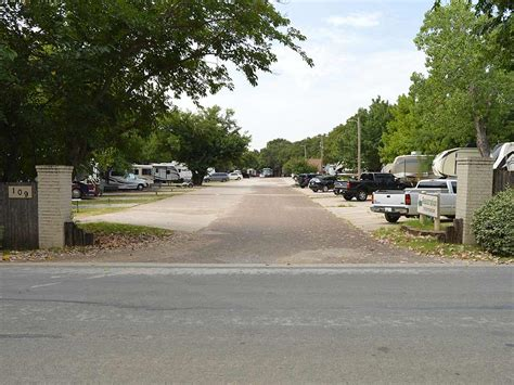 Post Oak Place RV Park   Denton campgrounds   Good Sam Club