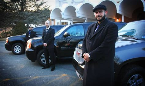 Deals On Limo Service by Suv Airport Service Target Limo Services Groupon