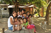 Expats' Guide: Get to know the Filipino Family ...
