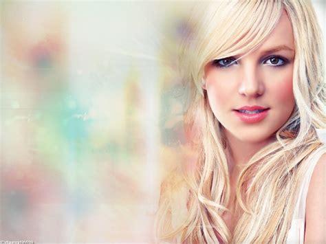 Clean Plastic Shower Head by Britney Spears Britney Spears Wallpaper