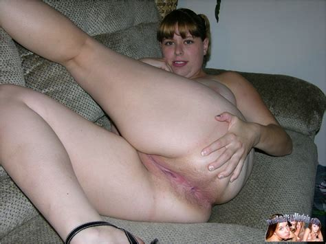 chubby spread pussy 207125 year old spreading her chubby