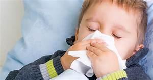 Heisser Kopf Ohne Fieber : grippe bei kindern und kleinkindern ratgeber schmerzen ~ Frokenaadalensverden.com Haus und Dekorationen