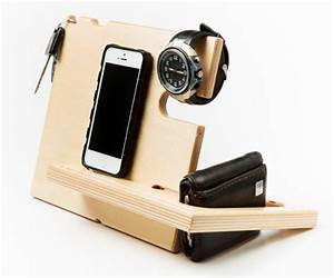 Wooden Docking Stations : iPhone 6 dock