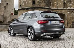 Mercedes Glc Dimensions : mercedes benz glc pricing and specifications photos caradvice ~ Medecine-chirurgie-esthetiques.com Avis de Voitures