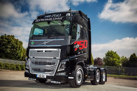 new volvo fh mike boyd caroline gardner and their volvo fh16 750