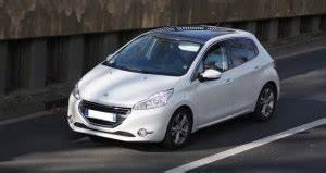 Consommation Peugeot 208 : dtails des moteurs peugeot 208 2012 consommation et avis 1 6 hdi 115 ch 1 6 thp 200 ch 1 6 ~ Maxctalentgroup.com Avis de Voitures