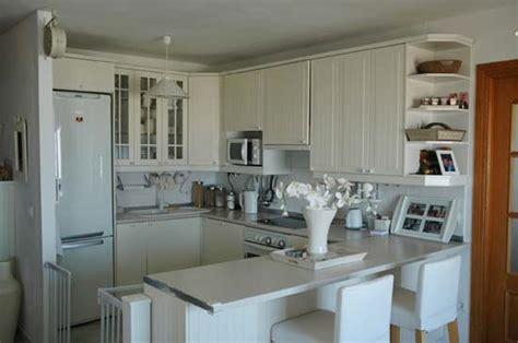 idee cuisine americaine appartement cuisine équipée américaine cuisine en image