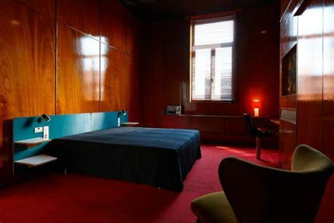 roter teppich wohnzimmer deko roter teppich