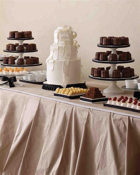 ways  serve hot chocolate   winter wedding martha stewart weddings