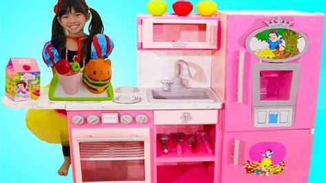 Emma Pretend Play W/ Disney Princess Snow White Pink