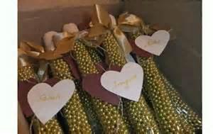 geschenke zur hochzeit ideen deko ideen zur goldenen hochzeit goldene hochzeit dekoration