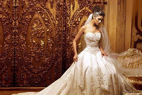 The 20 Most Beautiful Wedding Dresses Of 2015