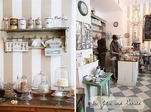 München Shopping Tipps : livingroom m nchen cafe bar interior idea vintage style second home look munich bavaria ~ Pilothousefishingboats.com Haus und Dekorationen