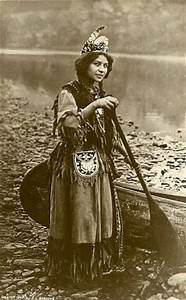 Native American girl in traditional clothing   Cultural ...
