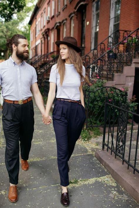 v ements de bureau femme comment porter le pantalon carotte nos conseils en photos