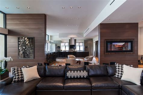 Interior Pictures by Exclusive Beverly Residence Offers Lovely Terrace