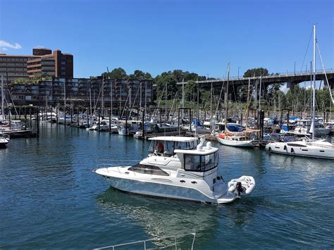 Boat Loans Vancouver Bc by 2000 Sea Ray 380 Aft Cabin Power New And Used Boats For