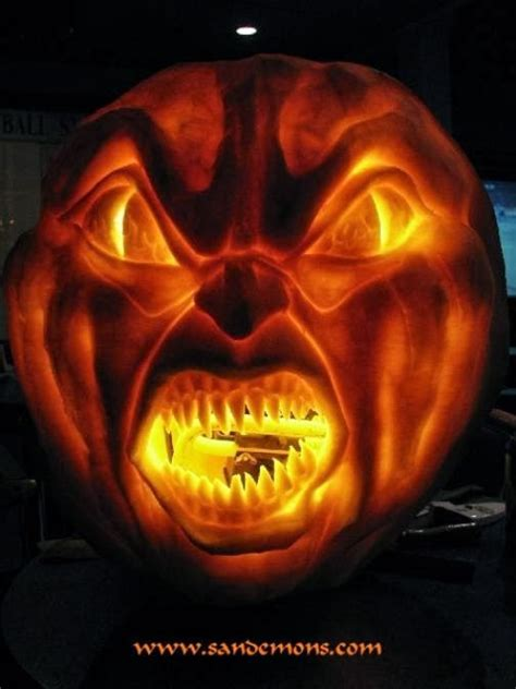 scary carved pumpkins pumpkin carving ideas for halloween 2017 more crazy pumpkins and jack o lanterns 2012 2013