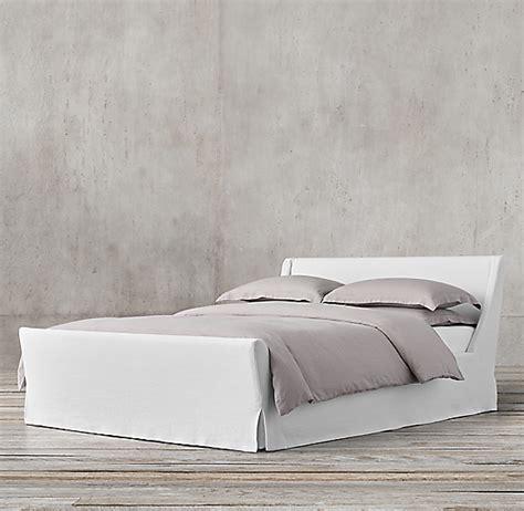 preston slipcovered bed  footboard