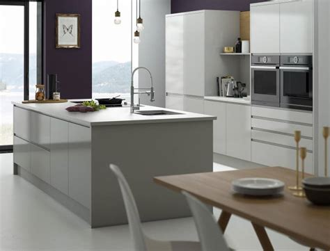 modern kitchen designs images high gloss 2 pac finish to kitchen in dulux white with 7694