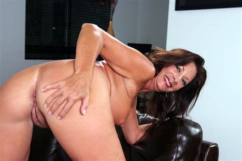 Margo Sullivan And Danny Wylde In Seduced By A Cougar