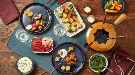 Fondue mit Fleisch, Käse und Schokolade - Alnatura